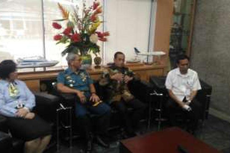 Konferensi Pers Rapat Koordinasi tentang Dwelling Time di Kantor Kementerian Perhubungan, Jakarta, Rabu (21/9/2016)