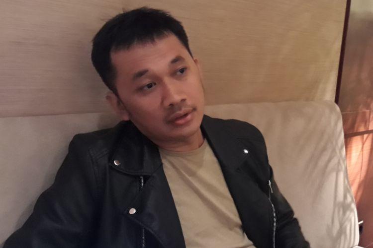 Hanung Bramantyo menceritakan pembuatan film barunya ketika dijumpai usai acara peluncuran trailer dan soundtrack film Kartini di Djakarta Theater XXI, Jakarta Pusat, Selasa (21/3/2017).
