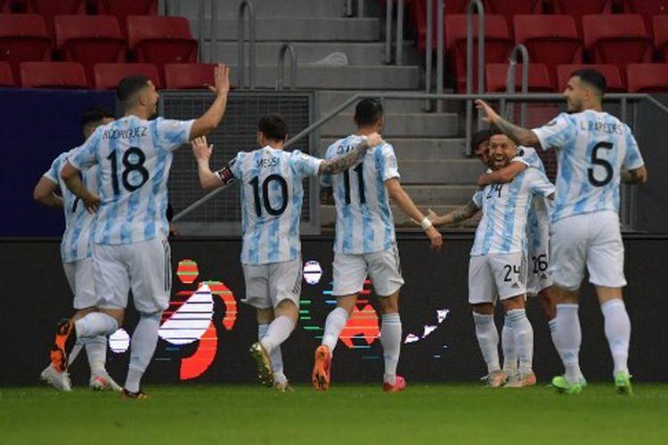 Suasanya perayaan gol Alejandro Papu Gomez pada laga Grup A Copa America 2021 yang mempertemukan Argentina vs Paraguay di Mane Garrincha Stadium, Brasil, pada Selasa (22/6/2021) pagi WIB.