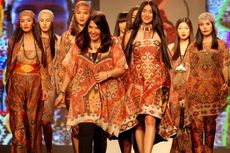 Ada Ghea Panggabean di Islamic Fashion Festival Paris