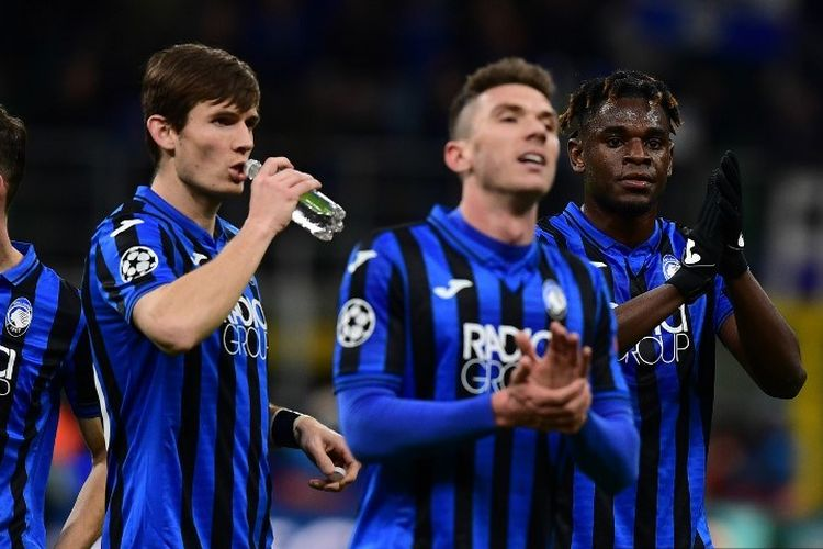 Reaksi para pemain Atalanta usai memenangi laga Atalanta vs Valencia yang merupakan laga 16 besar Liga Champions di Stadion San Siro, Milan.