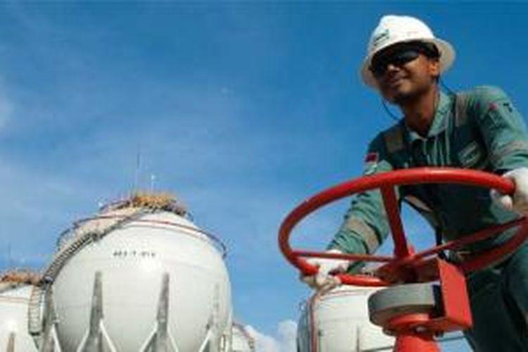 Lifting minyak dan gas bumi (migas) menjadi tolak ukur utama kinerja industri hulu migas karena langsung memengaruhi penerimaan negara. Bagaimana negara mengontrol pekerjaan penting ini?