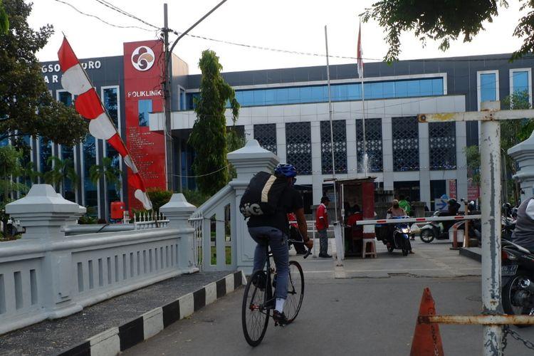 Rider Antarantarsemarang antar barang di RSUD Wongsonegoro Semarang.