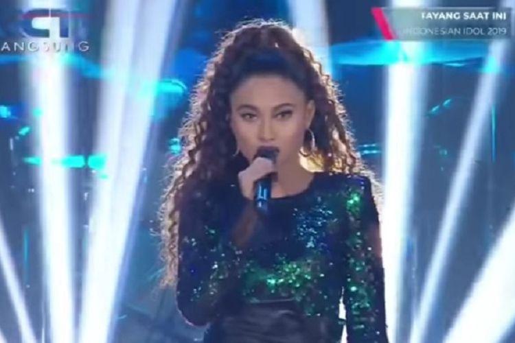 Novia, kontestan Indonesian Idol X.