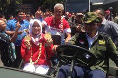 Naik Jip, Peraih Medali Asian Games Diarak Keliling Semarang