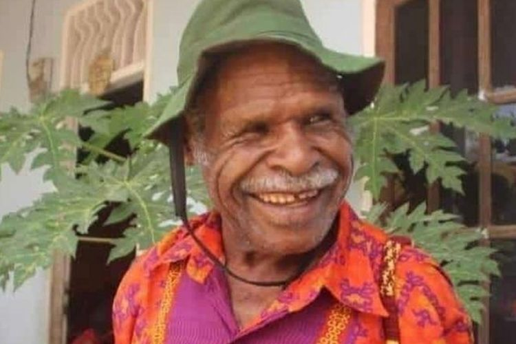 A photo of Papuan priest Yeremia Zanambani before his death on Saturday (19/9/2020)