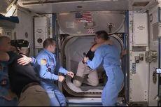 Misi SpaceX, 2 Astronot NASA Sampai ISS dan Disambut Kosmonot Rusia