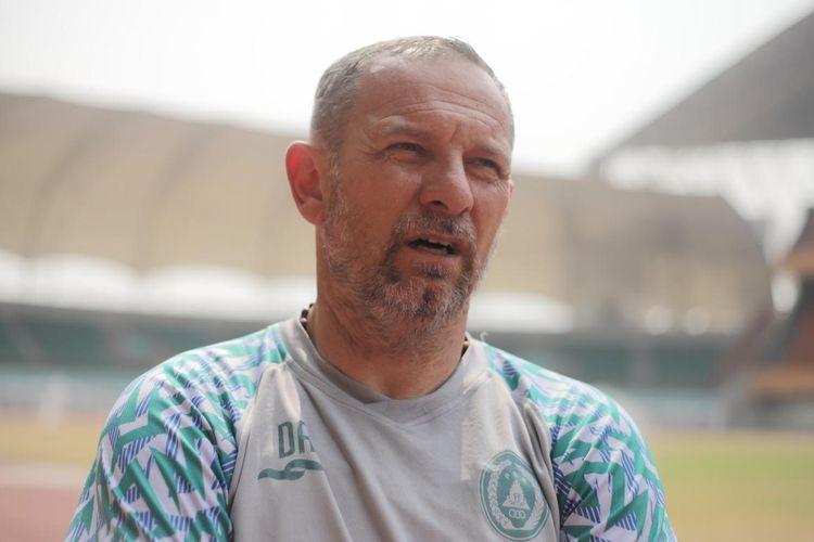Pelatih PS Sleman Dejan Antonic.
