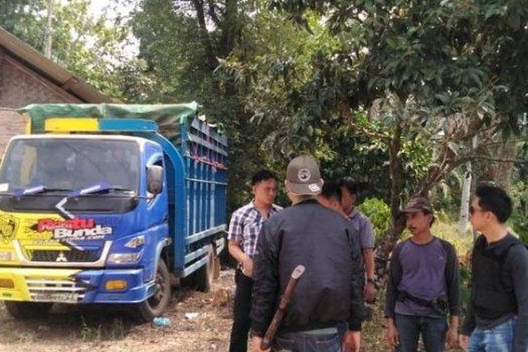 Inilah truk Mitsubishi Canter BE 9071 XA berisi sapi curian yang ditemukan di Dusun Trimurjo, Desa Gerning, Kecamatan Tegineneng, Pesawaran, Selasa (6/8/2019).