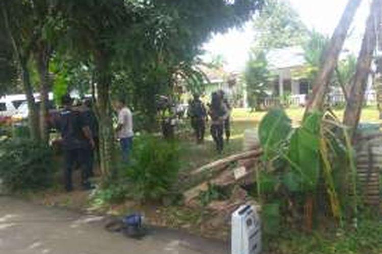 Lokasi penggerebekan teroris di RT 05 RW 02 Babakan, Setu, Tangerang Selatan, Rabu (21/12/2016).
