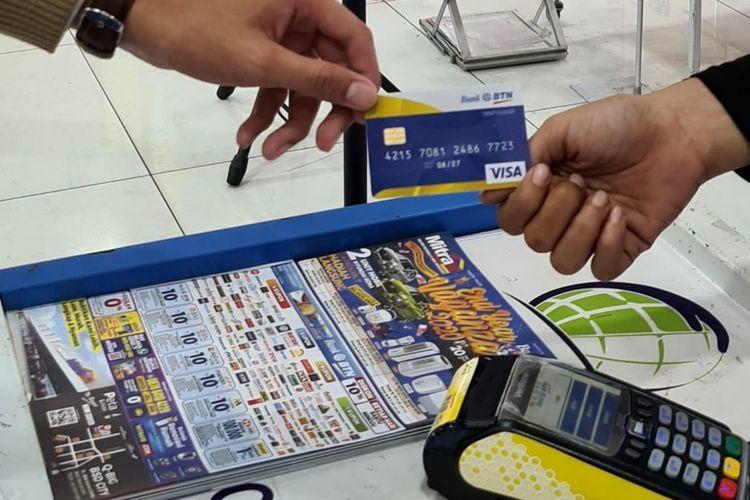 Penggunaan kartu debit BTN di Mitra10.