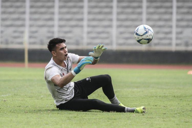 Kiper timnas Indonesia, Nadeo Argawinata.