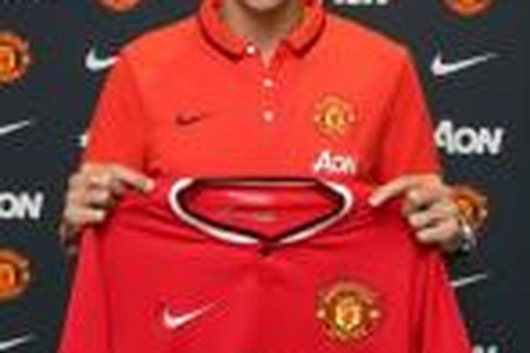 Pemain sayap asal Argentina, Angel Di Maria, menyelesaikan transfernya dari Real Madrid ke Manchester United, Selasa (26/8/2014) malam waktu setempat.