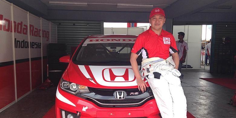 Alvin Bahar Juara berhasil meraih gelar juara konstruktor dan juara nasional 2014
