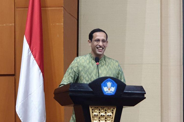 Menteri Pendidikan dan Kebudayaan (Mendikbud), Nadiem Anwar Makarim memberikan sambutan dalam konferensi pers kerja sama antara Netflix dan Kemendikbud di gedung Kemendikbud, Jakarta, Kamis (9/1/2020).