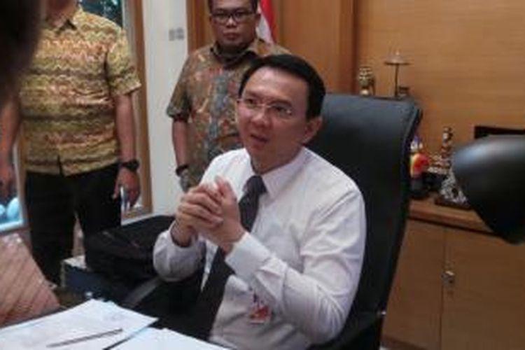 Gubernur DKI Jakarta Basuki Tjahaja Purnama di ruang kerja Gubernur, di Balaikota, Kamis (22/1/2015).