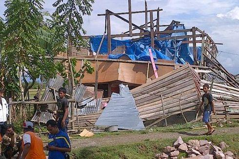 Angin Kencang Hancurkan 9 Rumah di Bone