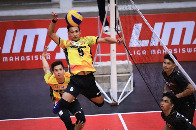 Sekolah Tinggi Ilmu Ekonomi (STIE) Tribuana Bekasi membuat torehan apik pada pergelaran turnamen bola voliM Nationals Liga Mahasiswa Volleyball Season 7, Jumat (27/9/2019), di Malang, Jawa Timur, usai tundukkan Universitas Trisakti.