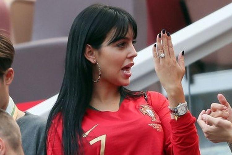 Georgina Rodriguez, kekasih Ronaldo memakai cincin berlian cartier