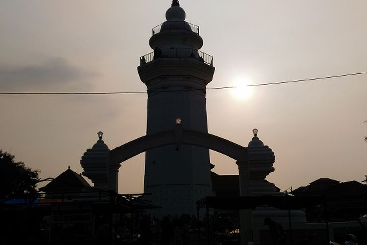 Masjid Agung Banten di Kawasan Lama Banten yang jadi ikon destinasi wisata religi.