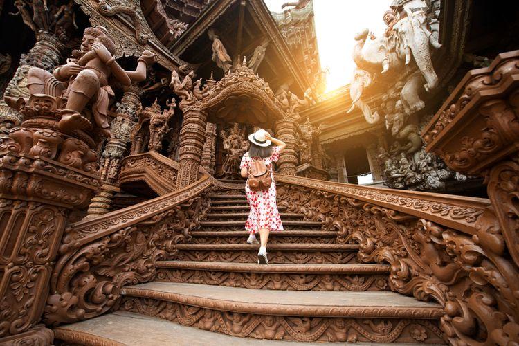 Ilustrasi tempat wisata di Pattaya, Thailand.