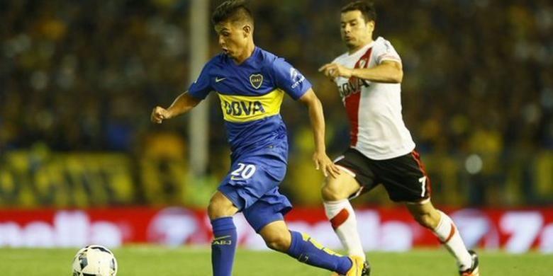 Laga persahabatan antara Boca Juniors dan River Plate, Sabtu (23/1/2016), diwarnai 5 kartu merah dan 11 kartu kuning.