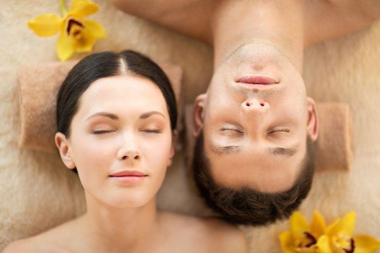 Ilustrasi pasangan berkulit sehat