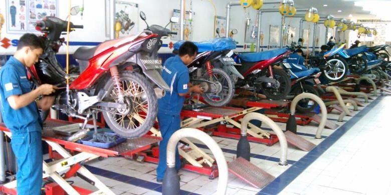 Ilustrasi servis sepeda motor Suzuki