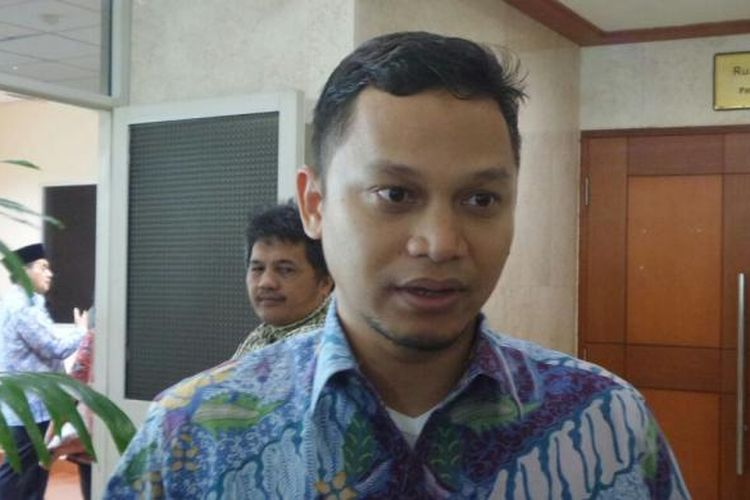 Wakil Ketua Komisi I dari Fraksi Partai Amanat Nasional (PAN), Hanafi Rais, di Kompleks Parlemen, Senayan, Jakarta, Selasa (7/2/2017).
