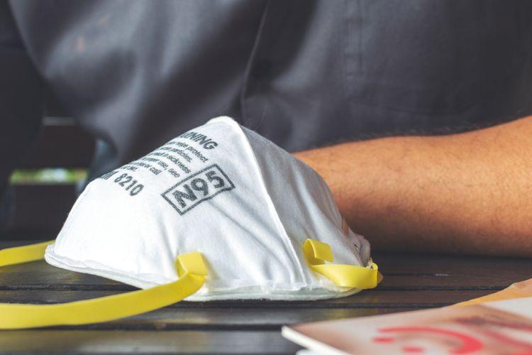 Ilustrasi masker N95. Masker medis ini umumnya dipakai oleh tenaga kesehatan atau tenaga medis, serta petugas di garda depan penanggulangan Covid-19.