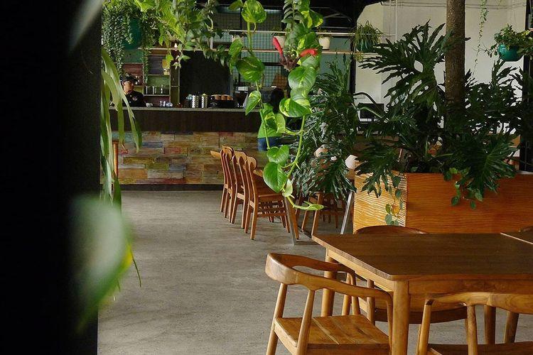Quagga Green Cafe Bernuansa Tropical