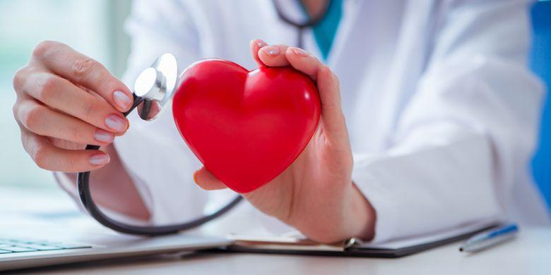 Ilustrasi pemeriksaan penyakit jantung koroner atau arteri koroner.