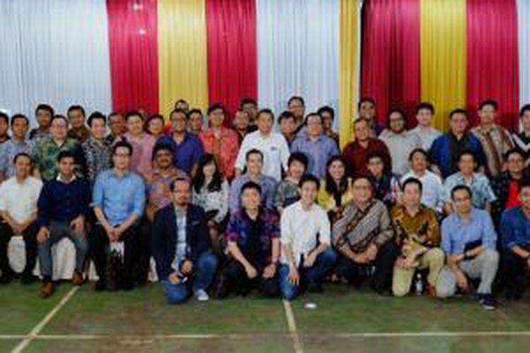 Rudiantara beserta para peserta pembahasan usulan roadmap e-commerce Indonesia