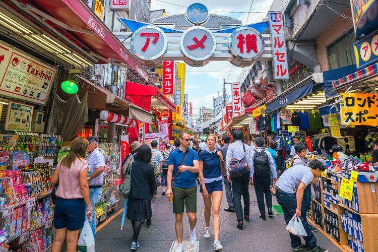 Turis di Jepang.