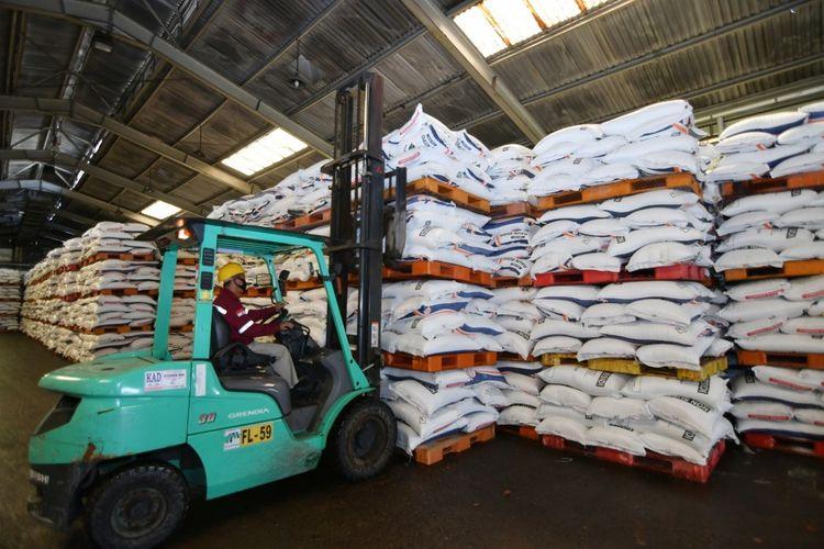 Penyaluran pupuk bersubsidi di Provinsi Gorontalo dipastikan aman oleh PT Pupuk Kaltim, sebanyak 1.309 ton pupuk urea bersubsidi disalurakn ke sejumlah kabupaten di provinsi ini.