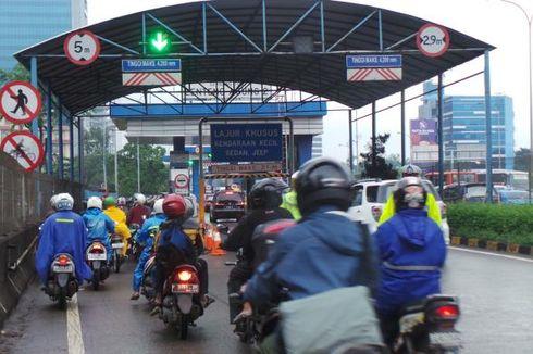 Banjir di TB Simatupang, Motor Masuk Tol