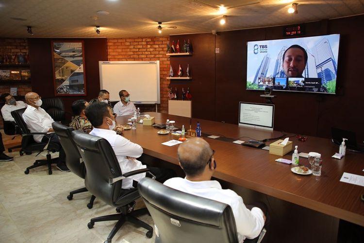 BP Batam bersama PT Toba Bara Energi melakukan penandatanganan Nota Kesepahaman tentang investasi Pembangkit Listrik Tenaga Surya (PLTS) Terapung, Kamis (12/8/2021).