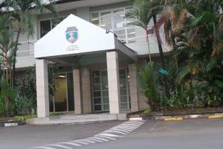 Bangunan kampus USBI di Pancoran, Jakarta Selatan. Rabu (21/5/2014).