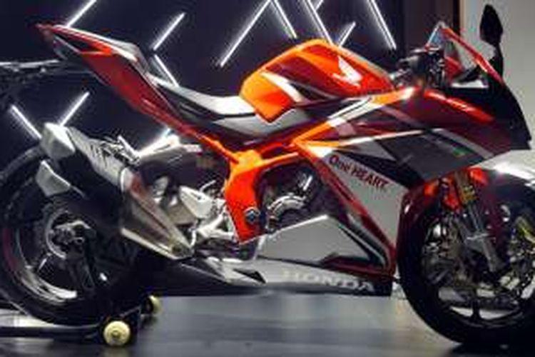 Honda CBR250RR sudah dilengkapi dengan tiga mode berkendara.