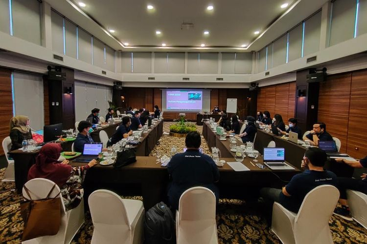Pusat Prestasi Nasional (Puspresnas) Kemendikbud mengumumkan universitas dan mahasiswa terbaik Kompetisi Debat Mahasiswa Indonesia (KDMI) 2020. Kompetisi berlangsung tanggal 1-4 Oktober 2020 dan dilaksanakan secara daring.