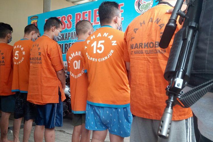 Polres Cianjur merilis sepuluh bandar narkoba yang dibekuk dalam tiga pekan terakhir