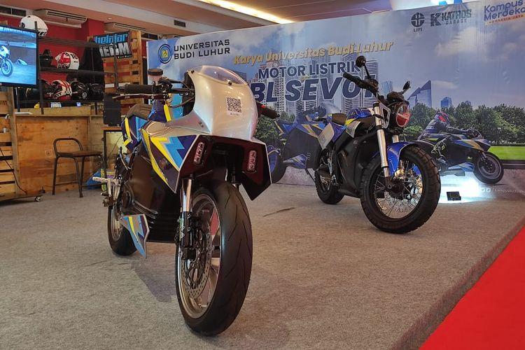 Motor listrik BL-CEV01 mejeng di IIMS Hybrid 2021