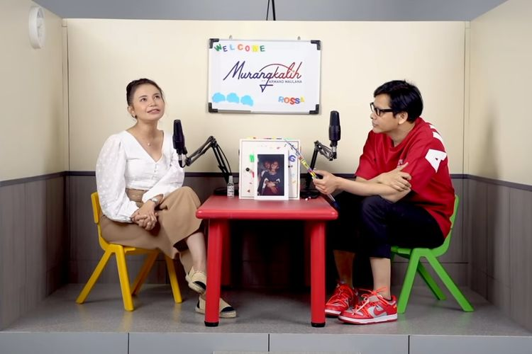 Penyanyi Rossa berbincang di kanal YouTube Armand Maulana.