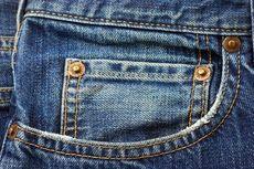Sejarah Jeans Biru, Tren Fashion yang Tak Lekang Dimakan Zaman