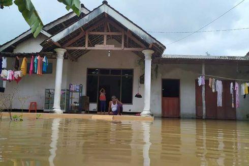 Sudah 4 Hari Banjir akibat Tanggul Jebol di Jombang Belum Surut