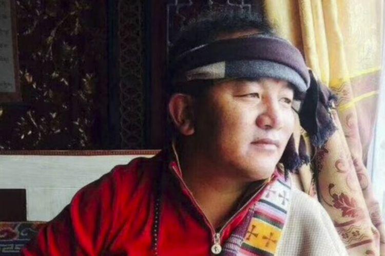 Tsekho Tugchak dalam foto tanpa tanggal, yang diyakini melakukan aksi bakar diri di Ngaba, provinsi Sichuan, China, Rabu (7/3/2018).