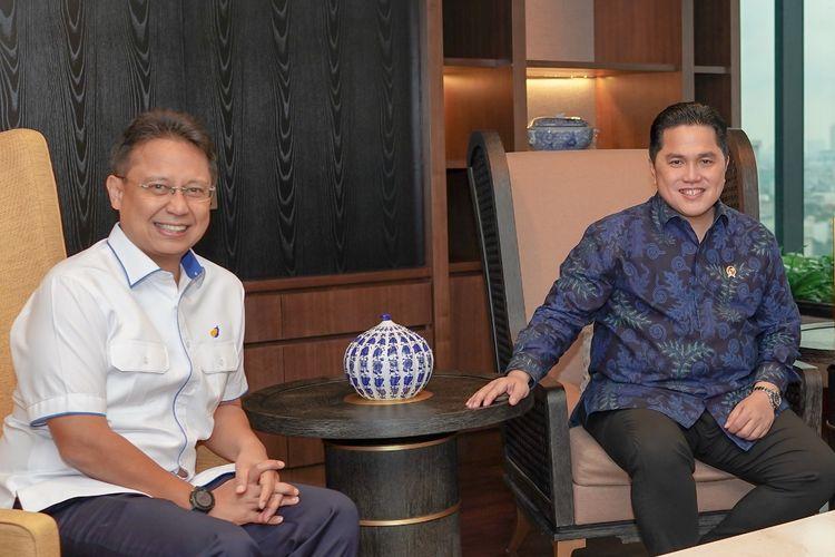 Menteri BUMN Erick Thohir dan Menteri Kesehatan Budi Gunadi Sadikin