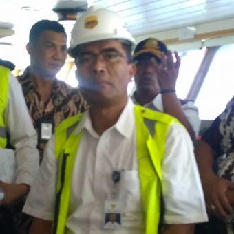 Direktur Jenderal Perhubungan Laut Agus H Purnomo saat memantau kapal di Pelabuhan Merak, Banten, Jumat (11/5/2018).