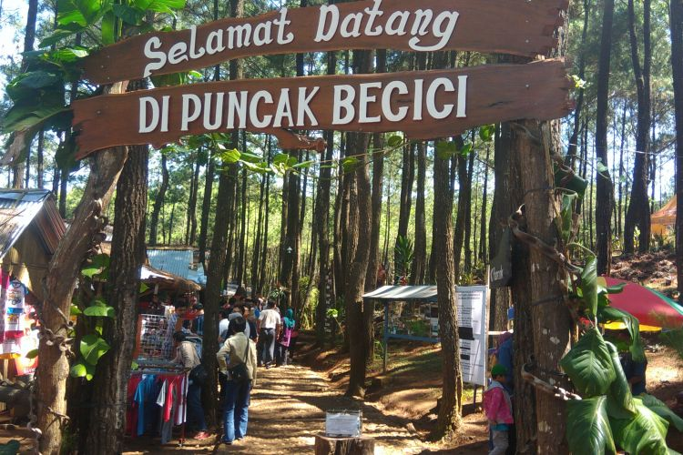 Puncak Becici di Desa Muntuk, Kecamatan Dlingo, Kabupaten Bantul, DI Yogyakarta, Rabu (28/6/2017).