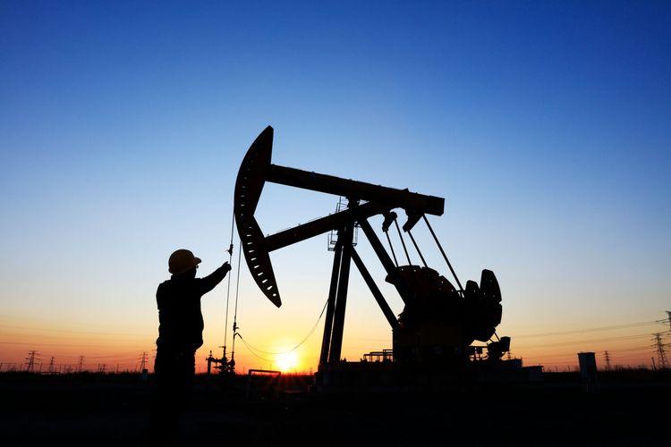 Ilustrasi aktivitas industri sektor hulu migas.